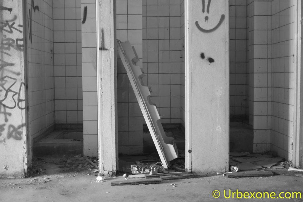 2015-06-old-oxygen-facility-2-11.jpg